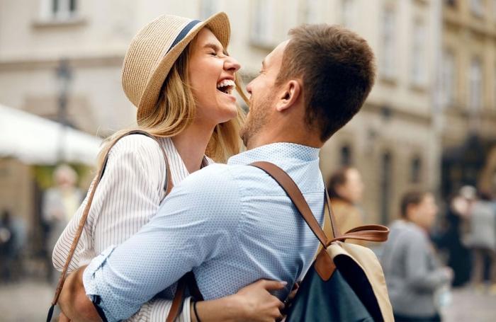 Cum sa atragi interesul unui barbat