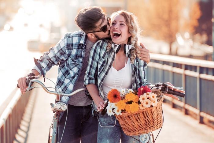 Rolul umorului in relatiile de cuplu